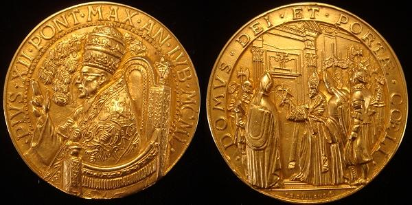 Pius XII 1950 Gold Medal Holy Door 40mm Photo