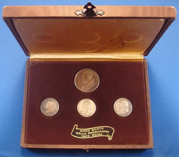 1983 Set of 4 Silver Papal Medals with Case Photo