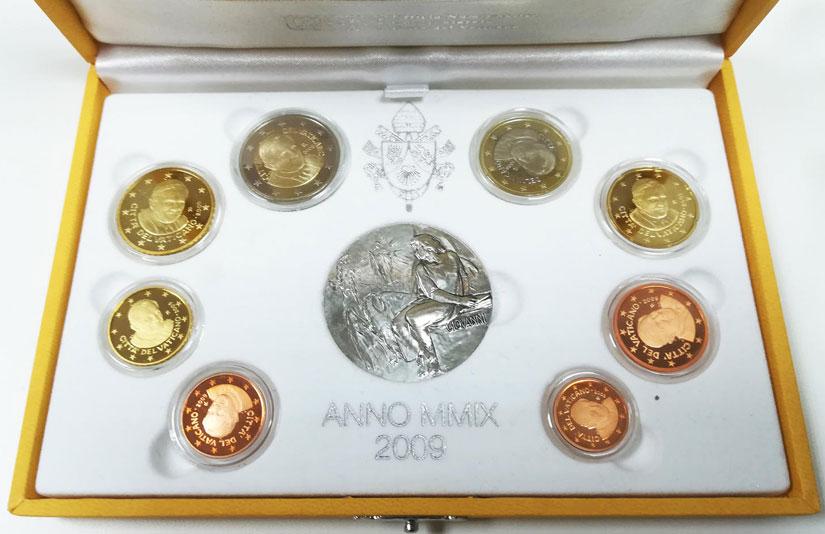 2009 Vatican Mint Set, 8 Euro Coins PROOF Photo