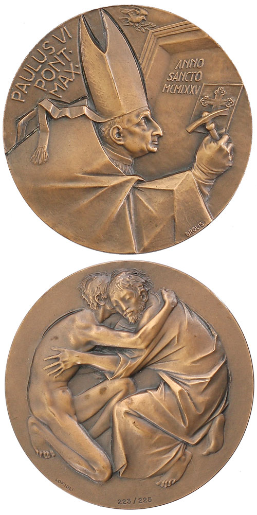Paul VI 1975 Opening Holy Door Piero Brolis Medal Photo