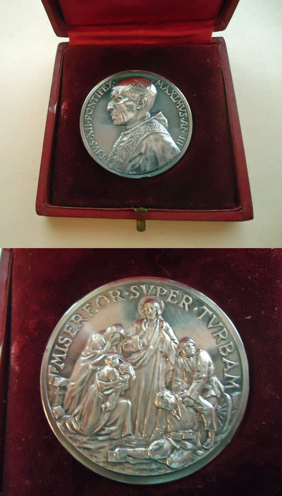 Pius XII 1941 Appeal End of War Silver Medal Photo
