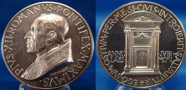 Pius XII (1939-58) Anno XII Silver Medal Photo