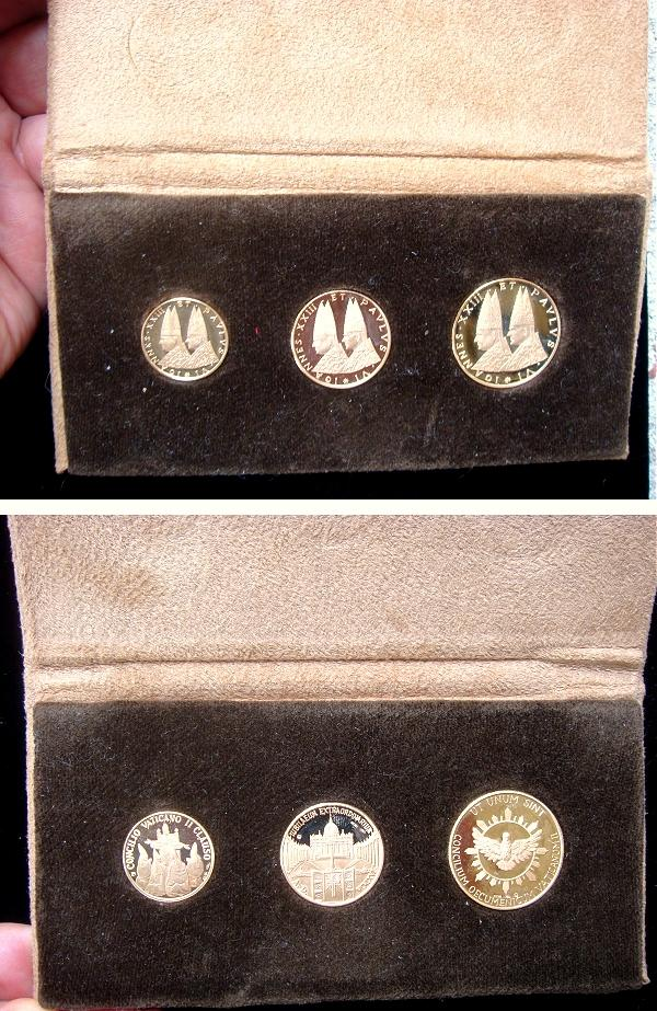 1966 John XXIII/Paul VI Gold Medals Photo