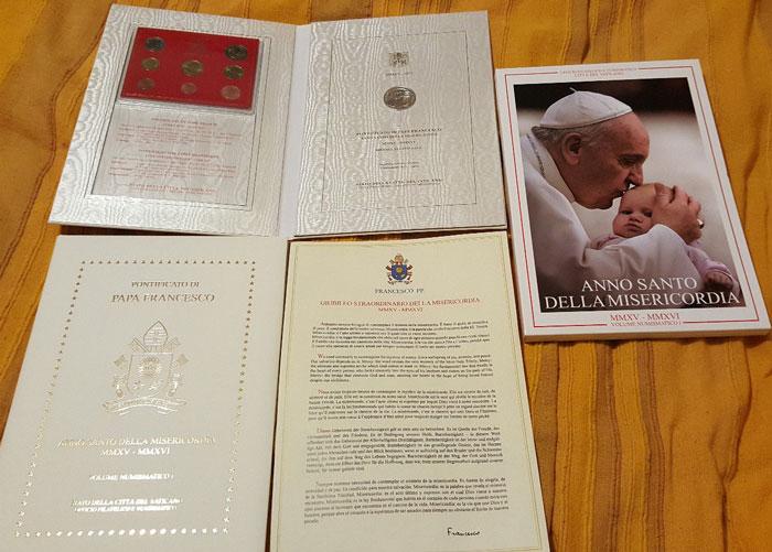 Vatican Numismatic Volume I 2015 Photo