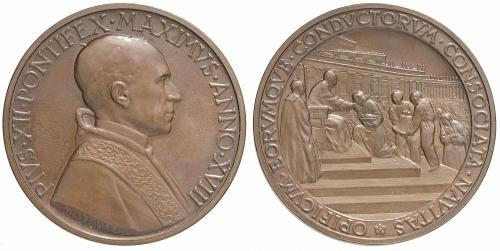 Pius XII (1939-58) Christian Workers Bronze Medal Photo