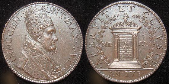 Innocent X (1644-55) Holy Door 1650 Medal Photo