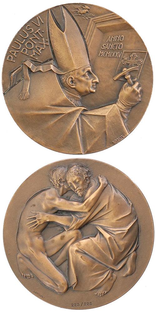 Paul VI 1975 Opening Holy Door Piero Brolis Medal Photo