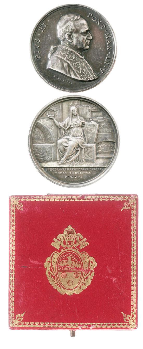 Pius XI (1922-39) A.V Christian Archaeology w/Case Photo