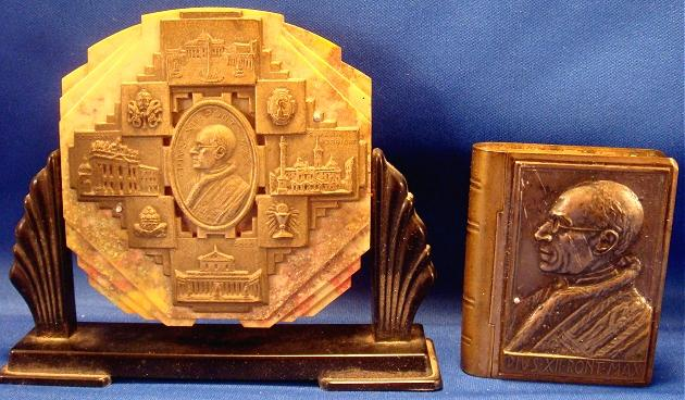 Pius XII (1939-58) Rosary Box and Stand Photo